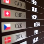 Újra 244 felett van a svájci frank