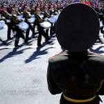 Oroszország be nem jelentett hadgyakorlatba kezdett