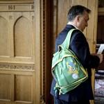 A király szakrális hátizsákja