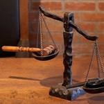 MNO: sokat kaszál Rogán és Habony ügyvédje a letelepedési kötvényekkel