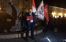Most Székesfehérváron tüntetnek a rabszolgatörvény ellen