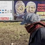 A Nemzeti Választási Bizottság nem vizsgálta a Junckert támadó plakátokat, mert még hivatalosan nincs kampány