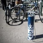 Fotó: Ingyenes biciklipumpákat raktak ki Budapesten