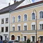 Hitler hasonmása bóklászik a diktátor szülővárosában