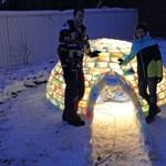 Fotók: bámulatos jégkunyhót épített két fiatal