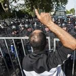 """""""A rendőrök tartják az országhatárt és uralják a helyzetet"""""""
