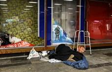 A hideg és a havazás miatt egyre több hajléktalan megy a szállókra