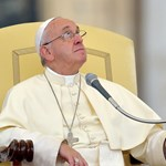 Összeesküvés lehet, hogy agydaganatosnak mondják Ferenc pápát