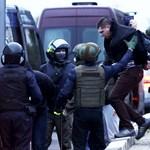 Kilencszáznál is több kormányellenes tüntetőt vettek őrizetbe Fehéroroszországban