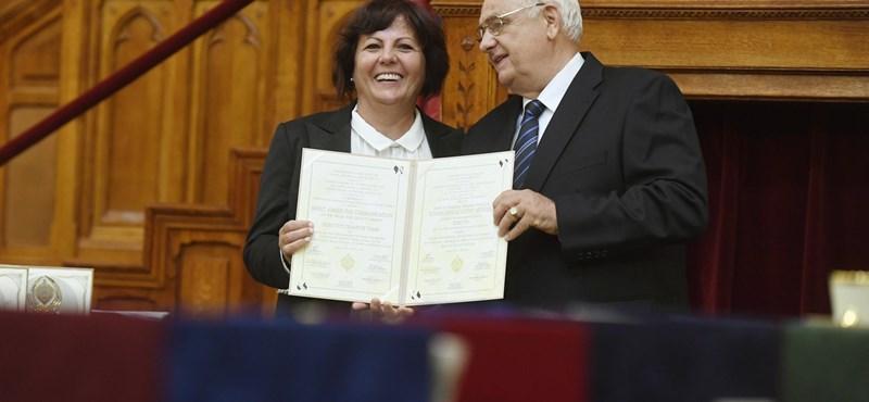 Mészáros Lőrinc feleségét és több kormánymédiumot is nívódíjjal jutalmaztak