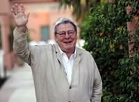 Búcsú a Hollywoodban legangolabb, Angliában leghollywoodibb rendezőtől