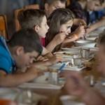 Egyes gyerekek a nyári szünetben is kapnak ebédet: ezt kell érte tenni
