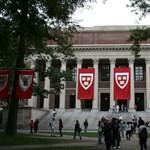 Szexuális megjegyzéseket írtak a lányok csapatáról, nem játszhatnak a Harvard futballistái