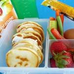 Barátjának nem volt mit ennie, ezért nagyobb adag ételt kért anyjától a diák
