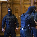 Új ügyvédje van a Teréz körúti robbantónak: a darnózseli darabolós gyilkossággal vádolt férfi védője