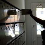 Több ezer levelet nem kézbesített ki egy indiai postás
