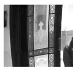 Lépcsőházba is bement egy nő után, keresik a rendőrök a szeméremsértőt