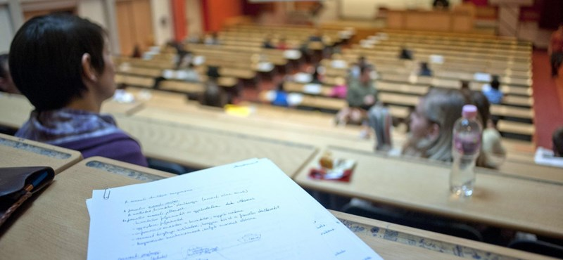 Meddig maradhattok állami ösztöndíjas helyen az egyetemen?