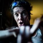 Új dalt osztott meg a Quimby frontembere Aranyakkord néven – videó