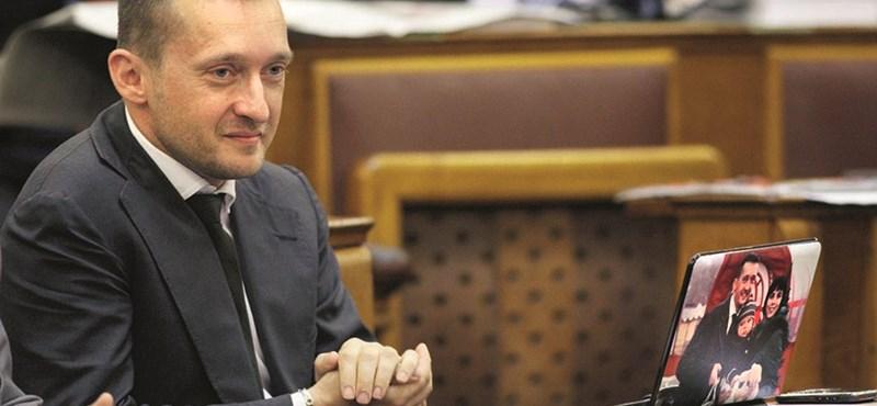 Orbán miatt korábban ül össze a Fidesz