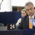 Orbán menekültügyben csúsztatott