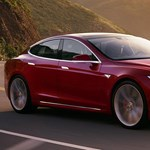 Bye-bye: leállítják a legolcsóbb Tesla Model S gyártását