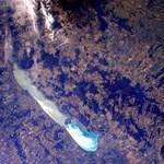 Fotó az űrből: így nagyon ritkán látni a Balatont
