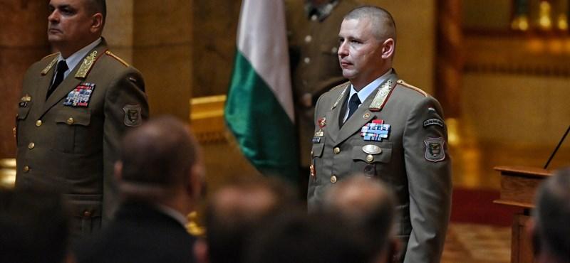 Beiktatták Ruszin-Szendi Romuluszt, a Magyar Honvédség új parancsnokát - képek