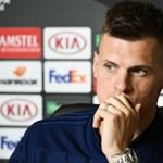 Mielőtt Dzsudzsákékkal találkozott volna, lemondta a válogatottságot a szlovák csapatkapitány