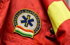 Kiömlött salétromsav miatt sérült meg két mentő, a felelős ellen vádat emeltek