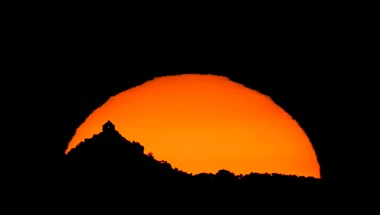 Meseszerűnek tűnik a salgói vár az MTI fotósának képein