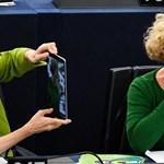 Sargentini válaszolt az őt hazugozó magyar nagykövetnek, tapsot kapott