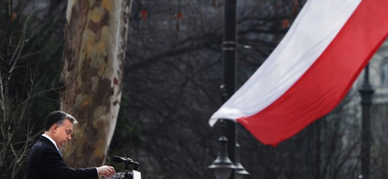 Köszönik, de nem küldenek diákokat a budapesti március 15-i ünnepségekre