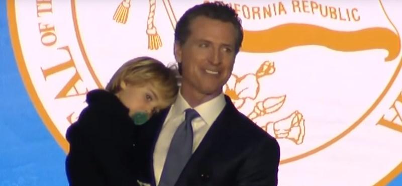 Ilyen, amikor egy kétéves gyerek semmibe veszi az apja karrierjének legnagyobb pillanatát