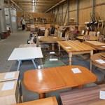 Háromból két otthonban van felújított bútor a használt szekrénysorok és polcok országában