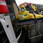 Már zárják az ebola miatt az afrikai határátkelőhelyeket
