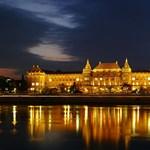 A nap képe: így nézne ki Budapest egyik legszebb egyeteme díszkivilágításban