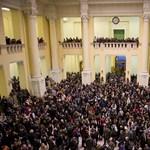 Fotók: diákok tüntetnek a városban