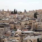 Izraelben összeomlott egy zsinagóga emelvénye, sokan súlyosan megsérültek