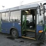 Hiányzik több száz buszsofőr, éppen a 3-as metró pótlása előtt