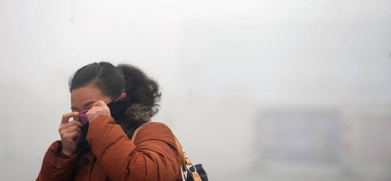 A korlátozásokat feloldó Kínában most már annál is rosszabb a levegő, mint amilyen a járvány előtt volt