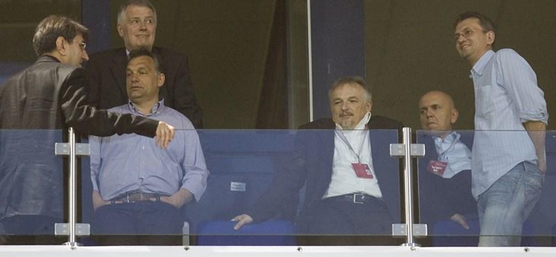 Feljelentést tesz Orbán repülőztetése miatt a Párbeszéd