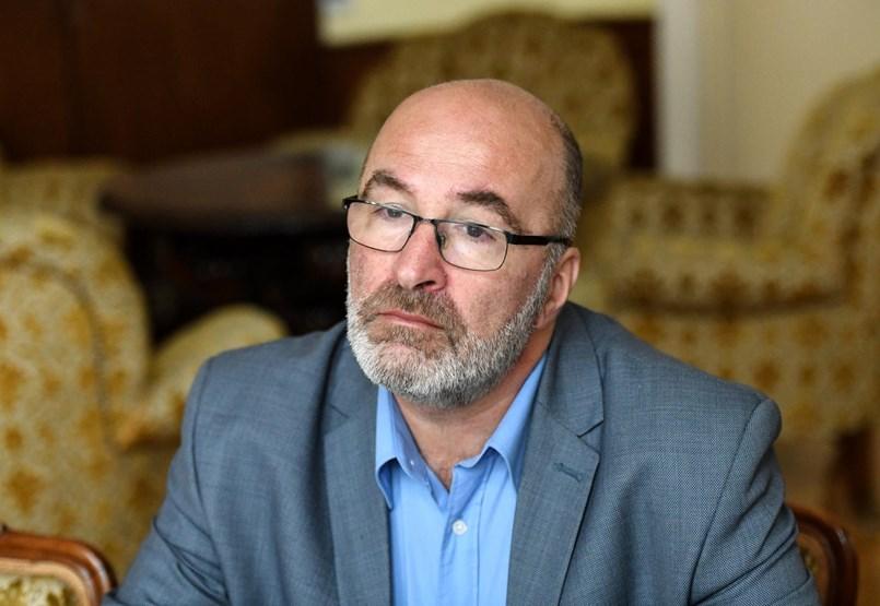 Pikó Andrást lejárató nyilatkozatot írattak alá óvónőkkel a saját kerületében