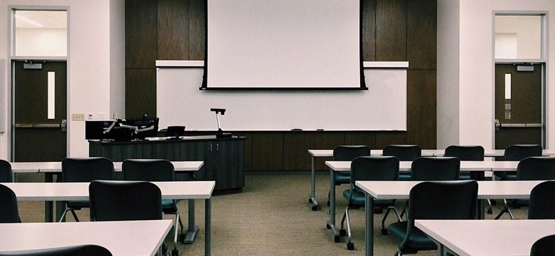 Nyolcadik napja sztrájkolnak a tanárok Chicagóban - 300 ezer diákot érint