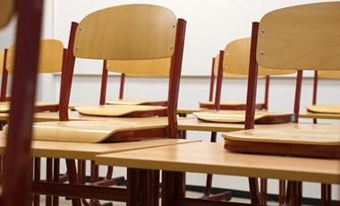 PDSZ: maradjanak zárva az iskolák és adjanak bérkompenzációt a szülőknek