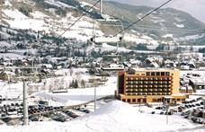 Tiborcz István sorra veszi az alpesi hoteleket