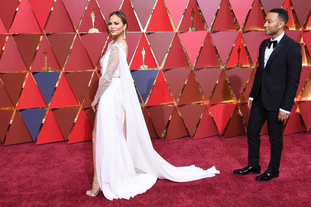 afp.17.02.27. - Hollywood, USA: 89. Oscar-díj - érkezés - Chrissy Teigen, John Legend - Oscar-díj 2017