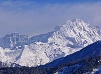 Még mindig keresik a Himaláján eltűnt magyar hegymászót