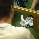 """""""Változott a piac"""" - kommentálta a Fidesz a magán-nyugdíjpénztárak sikerét"""