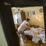 A bérnővérség rossz megoldás, inkább Lidl-pénztárosnak állnak a kiégett ápolók
